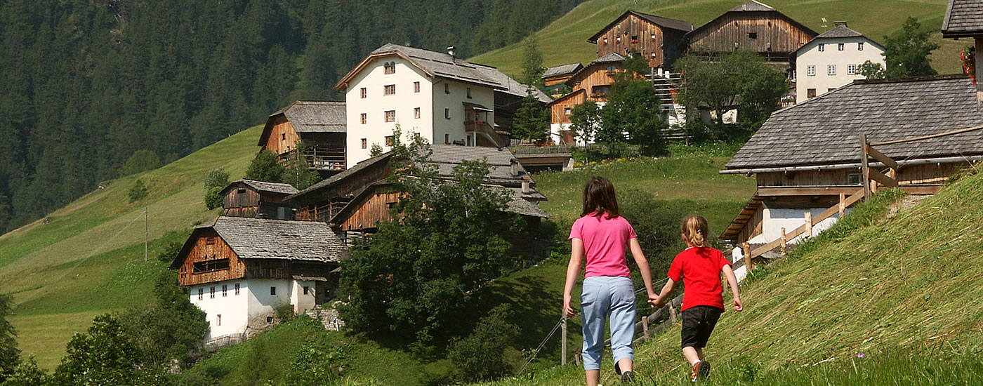 Hiking and activities in the Dolomites