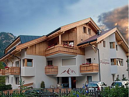 Residence pelegrin san vigilio di marebbe plan de corones - Residence val badia con piscina ...