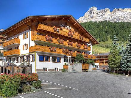 Richiesta a hotel la st a alta badia ladinia - Hotel corvara con piscina ...