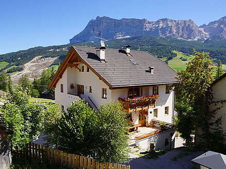 Richiesta a appartamenti pla n alta badia ladinia - Residence val badia con piscina ...